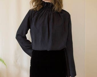 Vintage Black Blouse with Ruffled Neck Collar // Oversize Long Sleeve Top Edwardian Style Collar