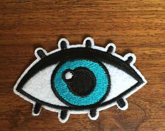Cartoon Eye - Iron on Appliqué Patch