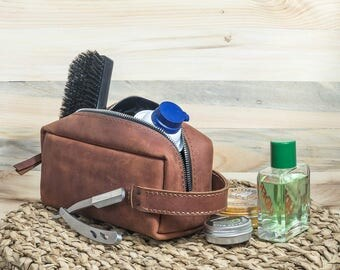 Groomsmen personalized gift, wedding gift, groomsmen, groomsman, groom, toiletry bag, leather  bag, leather bag, personalized gift