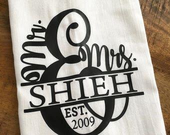 Personalized Mr and Mrs Kitchen Towel - Tea Towel Custom Wedding Gift - Bridal Shower - Housewarming - Flour Sack Tea Towel Kitchen Gift