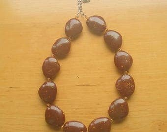 Brown chunky necklace