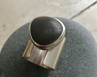 Beachstone divided band ring