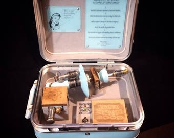 Fifty's ray gun and travel case