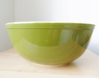 Pyrex Verde or Reverse Primary 404 mixing bowl. largest of either 400 sets