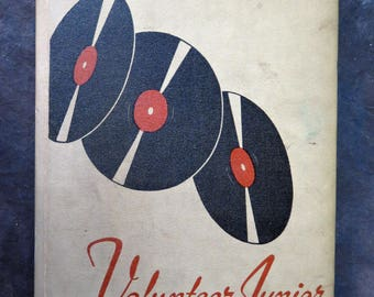 1945 The Volunteer University of Tennessee Junior College Martin Yearbook Annual