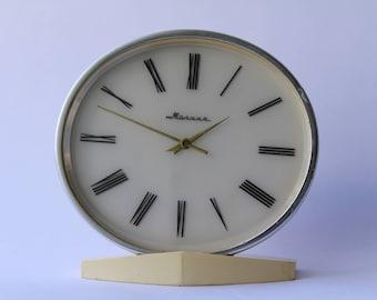Soviet mantel clock Molnija. Molnija table clock. Desk clock USSR. Mechanical clock. Working clock. Molnija