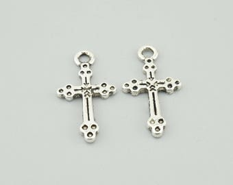50pcs 20x11mm Antique Silver Cross Charm Pendants M14594