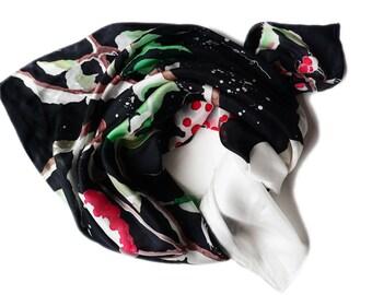 Japanese winter silk scarf, écharpe japonaise en soie, peint à la main, hand painted, silk square, snow, foulard, Gift for her, batik, chic