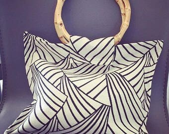 REF0133 - Small black and white summer bag, bamboo handles