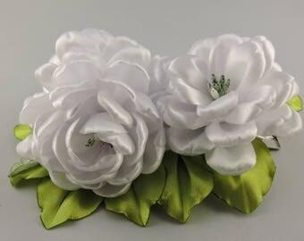 Kanzashi flower hair clip. White hair clip. Girls hair clip. Free shipping