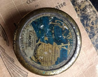 Vintage Tin candy box, A lovely aged rustic candy tin box.