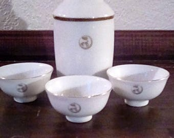 Vintage Japan Find White Gold Trim Porcelain Sake Tea Set Japanese Cups