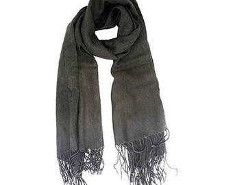 Fringed scarf grey