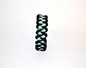 Shark Tooth/Jawbone 550 Paracord Bracelet