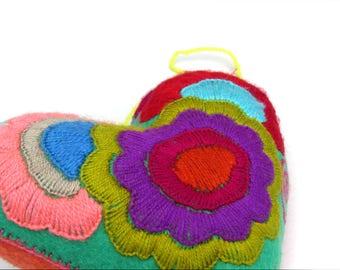 purple felt heart / embroidery
