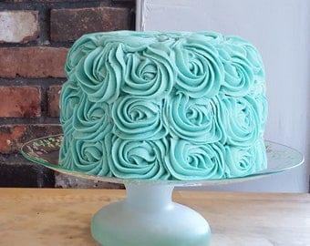 Dorothy Thorpe Vintage Cake Stand