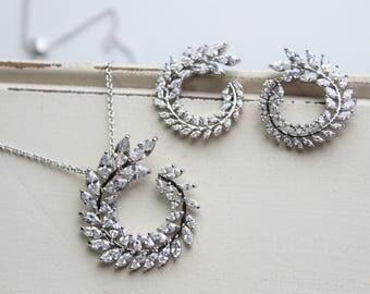 Art Deco Earrings , Vintage Style Crystal Earrings, Bridal Earrings, Jewellery Set , Wedding Earrings, Zircon  Stud Earrings,  Necklace Set