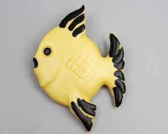 Vintage  brooch, vintage pin, fish, fish pin, fish brooch, fish, brooch, bakelite, friend gift, sister gift