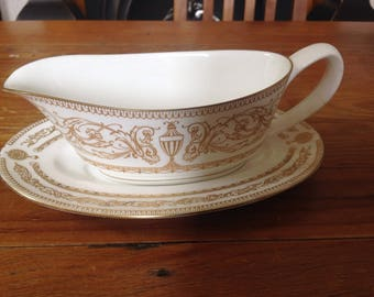 Royal Worcester Hyde park gravy boat and stand