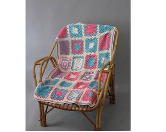 1970s baby bedspread crochet Blanket pink and blue / 70s crochet blanket
