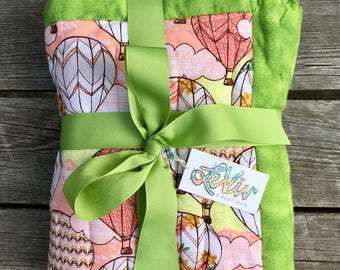 Hot air balloon print flannel quilt with trim for baby or child, warm blanket, baby gift, quilt to grow with, traveler baby gift, adventure