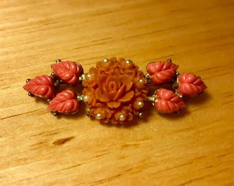 Vintage Gold Tone Brooch With Carved Coral Celluloid Flowers & Leaves With Faux Pearls