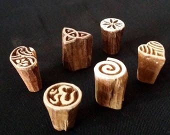 Seals wood, small symbols (6)