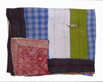 Antique Patches Handmade Kantha Quilts/Throws Hand Embroidered Kantha Bedspread, Vintage kantha quilts ri