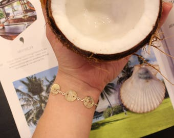 Bracelet with real shells.