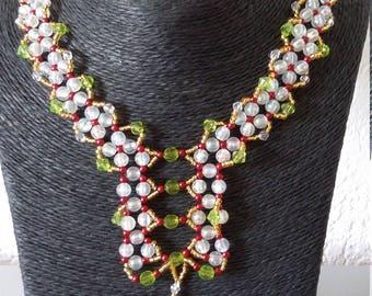 Jewelry set: Necklace, bracelet, earrings plus jewelry