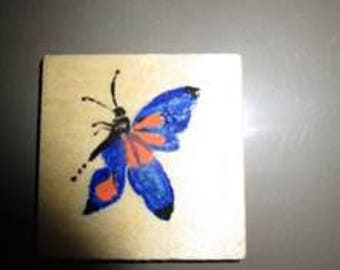 Magnet wooden handpainted diameter 5 cm square