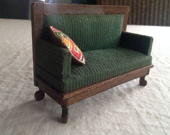 Antique sofa at a scale of 1:12 for the Doll House