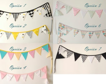 Fabric banners are ideal to give a touch of fun to the room or playroom for the little kids.