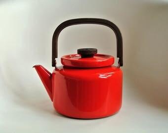 Heikki Orvola FINEL red vintage retro Finella enamel water kettle Arabia Wärtsilä Finland - Scandinavian mid century