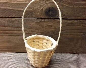 Wicker Straw Flower Gift Basket Excellent Handmade