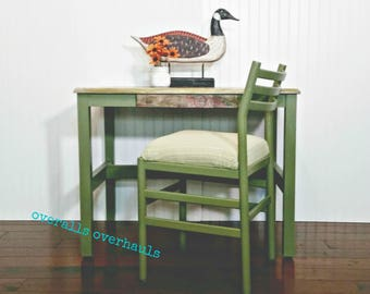 Vintage Style Accent Desk and Chair