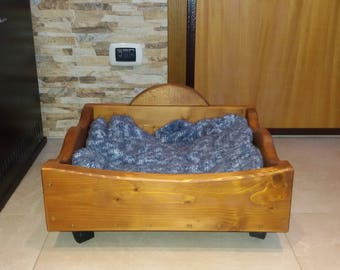 Wooden Lounger dog bed
