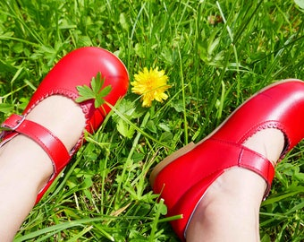 Baby Mary Janes in red