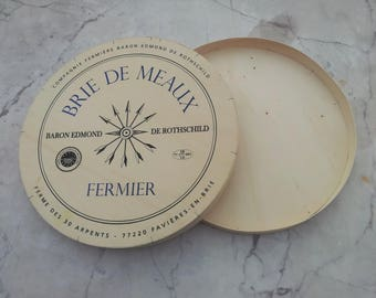 Big french cheese box of Brie de Meaux