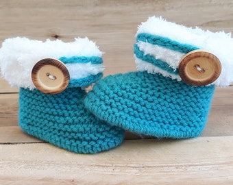 """UGG style boots / slippers baby / birthday gift / hand knit * Baby """"UGG"""" booties / baby shower gift / handmade"""