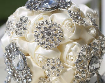 brooch bouquets, white brooch bouquet, cream mbrooch bouquet, off white brooch bouquet, wedding bouquet, bridal bouquet,