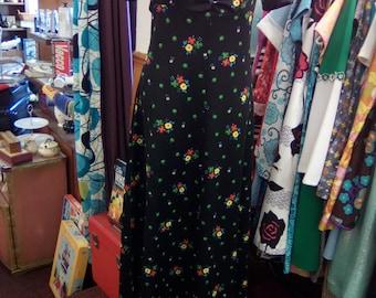 Vintage 1970s Black Floral Empire Line Maxi Dress, with Sweetheart neckline, Boho / Hippy dress UK Size S/ M