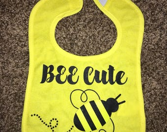 Bee cute bib