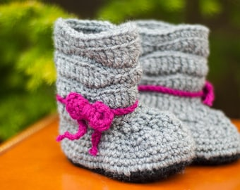 Crochet Baby Slouchy Boots with Bow