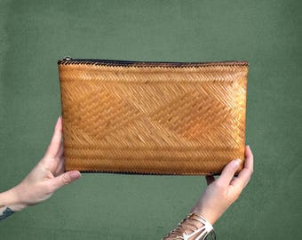 1970's Vintage  Pacific Style Brown Straw Clutch Bag Handbag