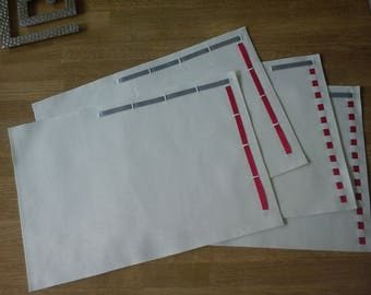 Placemat in white silver leatherette