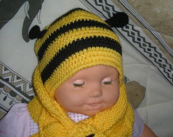 bonnet bébé, écharpe et moufles modèle abeille