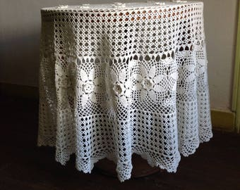 Round tablecloth white crochet lace