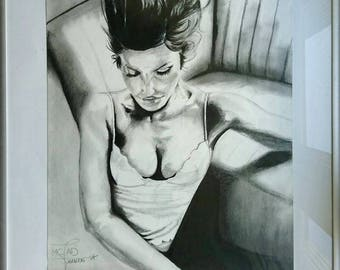 Portrait ¤ pensive woman drawing