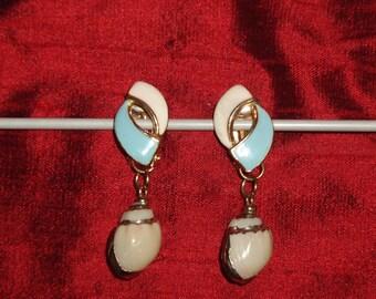 Vintage clip earrings high tides
